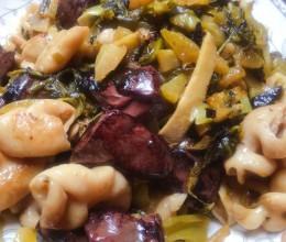 酸菜煮大肠炒猪红