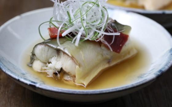 蒸江鳗:吃它不要土腥气