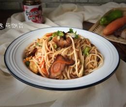 香菇豆豉酱炒腊肉米粉