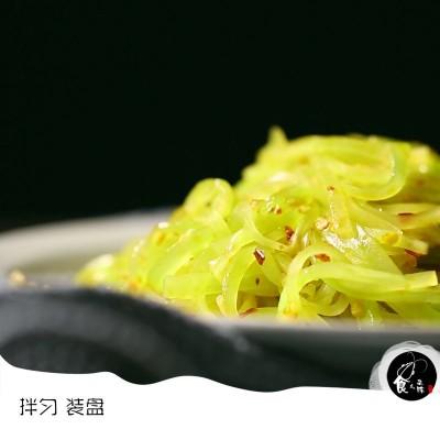 春季清热解毒开胃凉菜-凉拌青笋丝