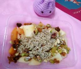 轻食-藜麦水果沙拉