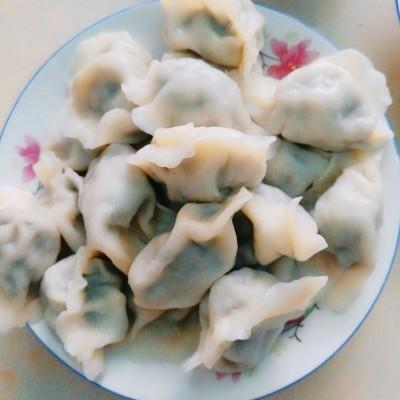 野芹菜水餃