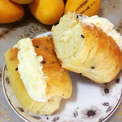 鮮奶油面包