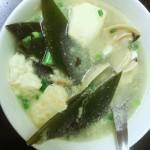 白贝海带豆腐汤
