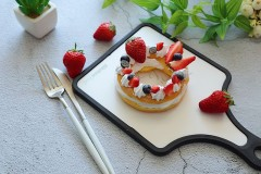 草莓花环泡芙