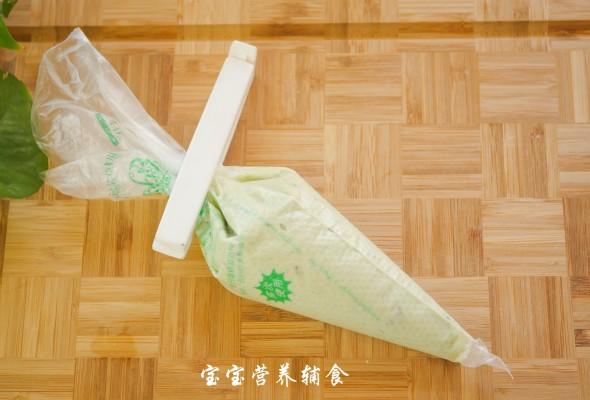 宝宝辅食-白萝卜虾汤面线