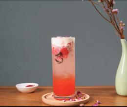 夏季爆款气泡水玫瑰草莓气泡水--气泡水奶盖的做法