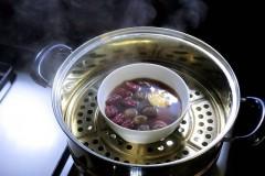 桂圆红枣蒸鸡蛋