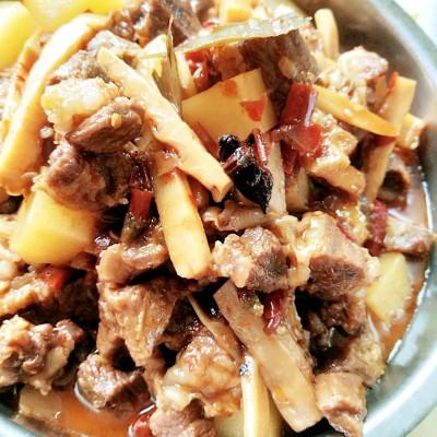 土豆笋子烧牛肉