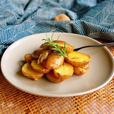 迷迭香烤小土豆