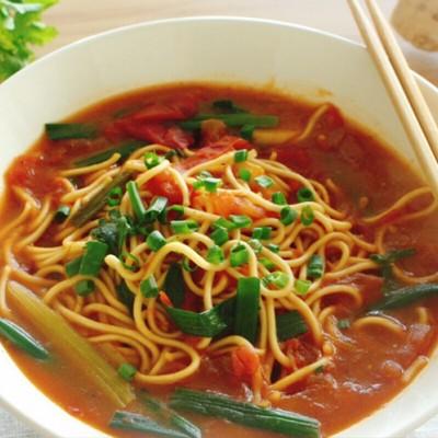番茄香菜热汤面