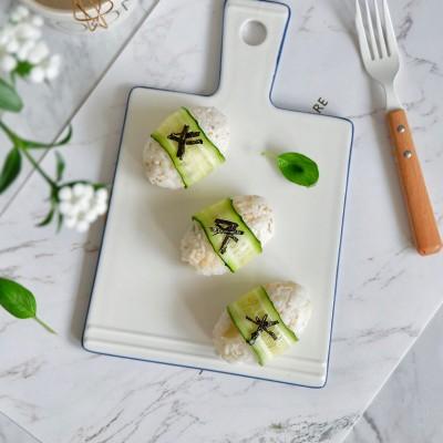 黄瓜芝麻饭团