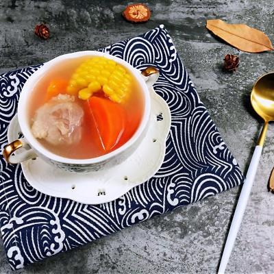 清淡不油腻——玉米胡萝卜薏仁猪展汤