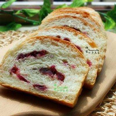松软可口,紫薯面包