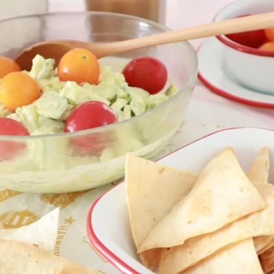 周末最佳轻食BRUNCH,牛油果鸡蛋沙拉和烤饼