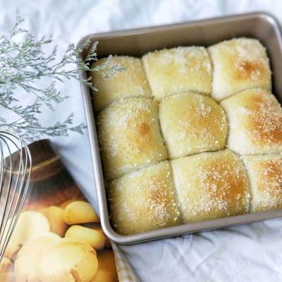 椰蓉豆沙餐包