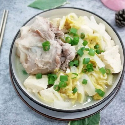 #家乡菜#大骨炖白菜冻豆腐