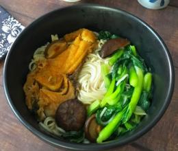 青菜爆鱼米线