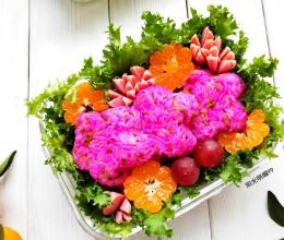 #《风味人间》美食复刻大挑战#酸黄瓜花朵便当