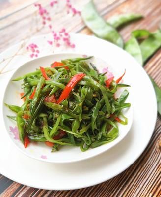眉豆炒辣椒