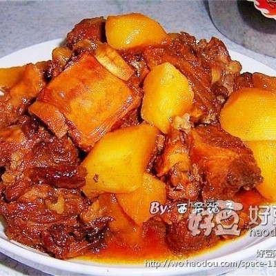 排骨焖土豆