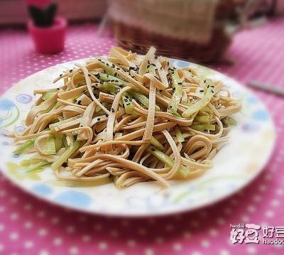黄瓜丝拌豆腐丝