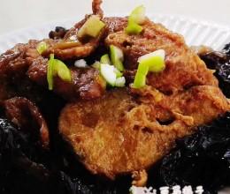 红烧鳕鱼炖木耳