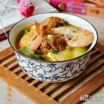 肉丸鲜虾炖豆腐