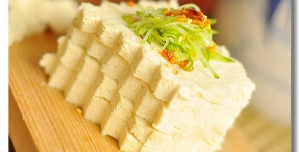 自制老豆腐的做法 自制老豆腐的家常做法 自制老豆腐怎么做