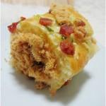 香葱腊肠肉松面包卷