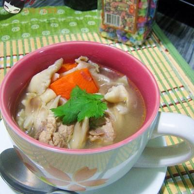 杂蔬猪脊骨汤