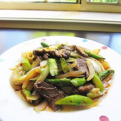 XO酱炒牛肉洋葱芦笋