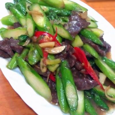 鲜露笋炒牛肉