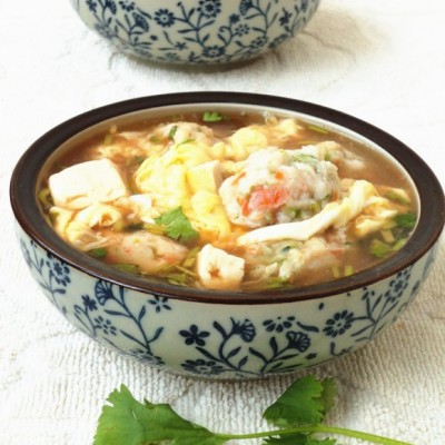 鱼丸豆腐酸辣汤