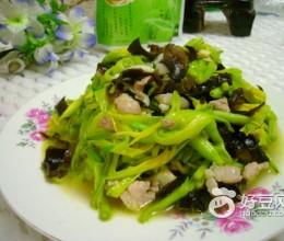 木耳黄花菜