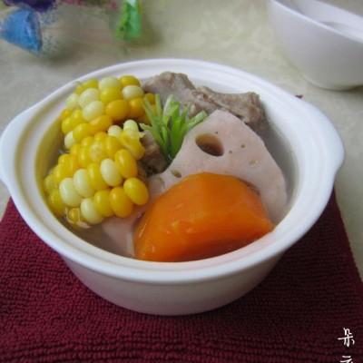 莲藕玉米龙骨汤