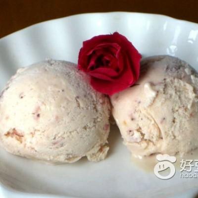 草莓冰激凌