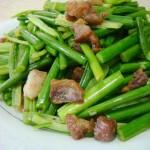 油渣炒蒜苔