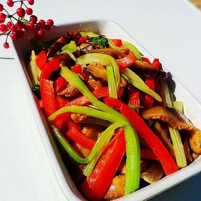 芹菜冬菇红椒丝
