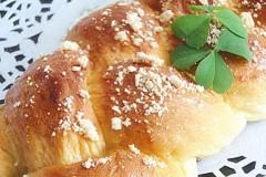 鲜奶油辫子面包