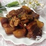 土豆百叶结红烧肉