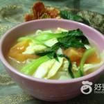 西红柿青菜鸡汤面