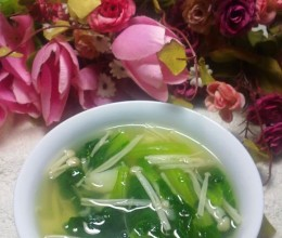 土豆金针菇青菜汤