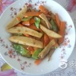 鸡腿菇炒胡萝卜