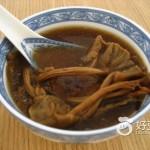 茶树菇煲鸡