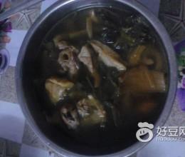 猪肺猪骨煲菜干