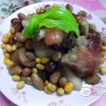 花生黄豆焖猪脚