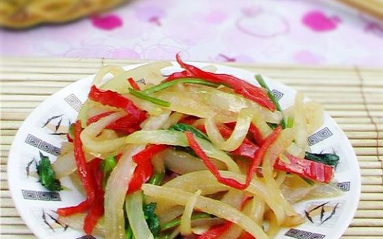 红椒炒洋葱