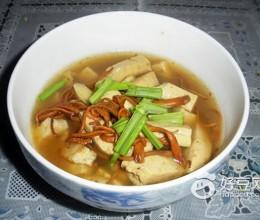 北虫草豆腐汤