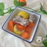 排骨胡萝卜玉米汤